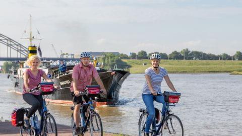 Rad und Schiff
