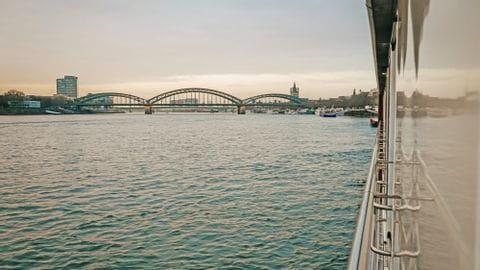 Rad und Schiff Rhein Köln